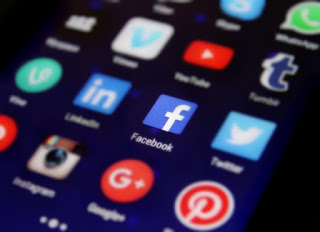 Social media, Facebook application on smartphone