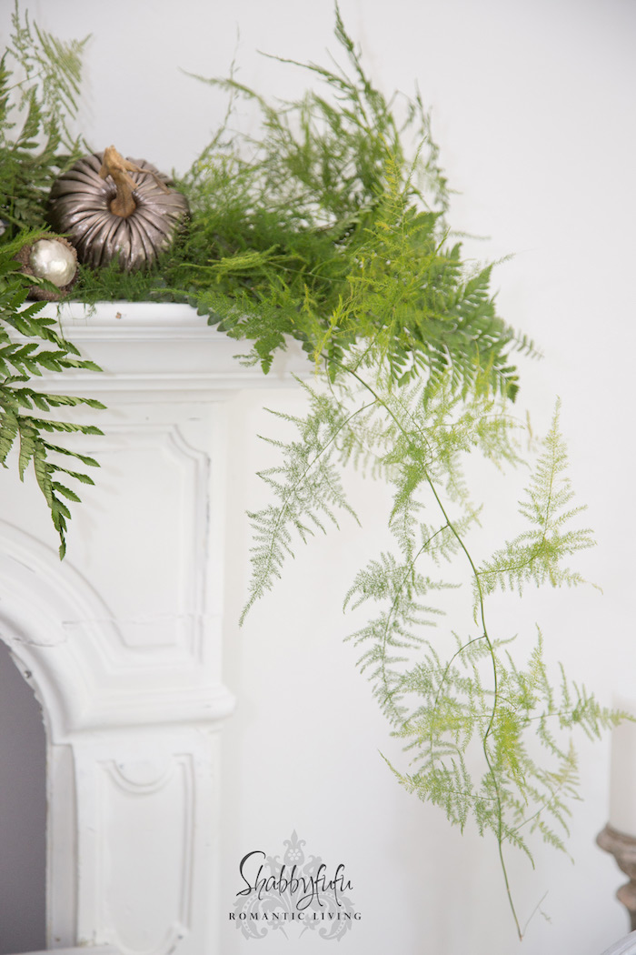how to decorate a mantel  in five minutes
