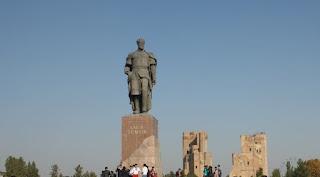 Памятник Тимуру в Шахрисабзе