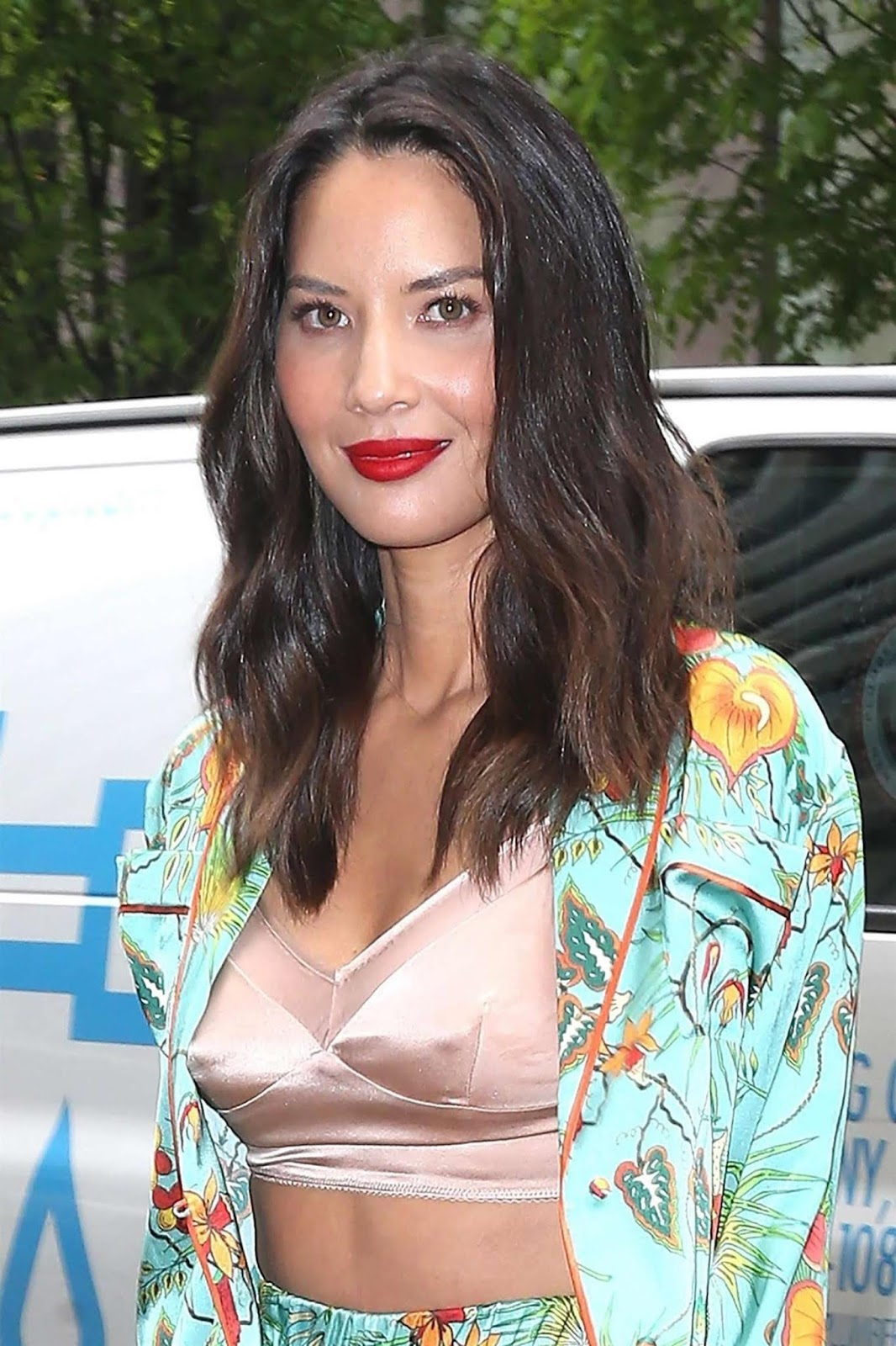 Olivia Munn – Arrives at Sirius XM studios in New York