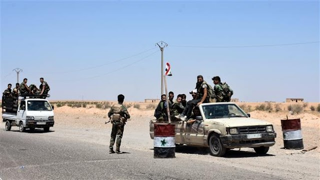 Syrian government army forces strike last militant stronghold near Damascus