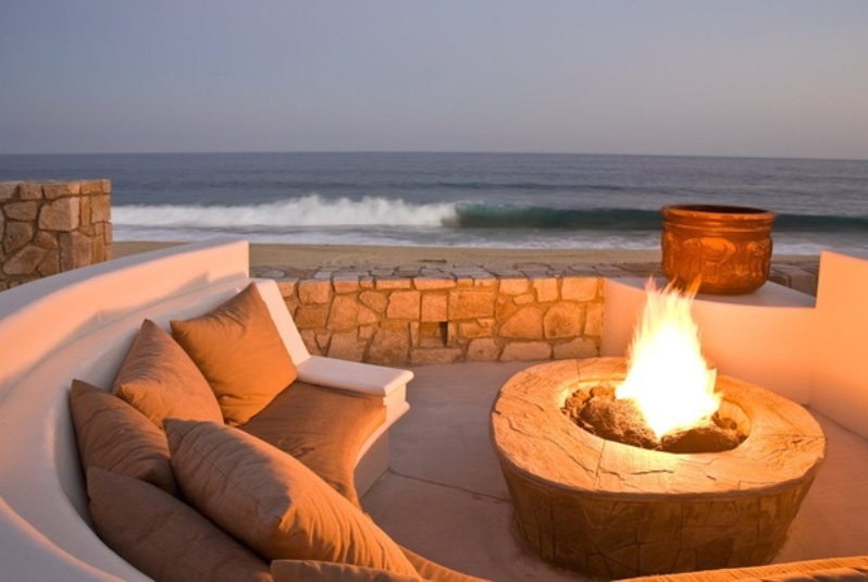 Ciao Newport Beach A Backyard Fire Pit