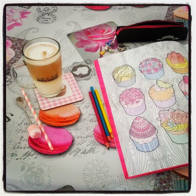 Coloriage anti stress pour adultes Cupcakes