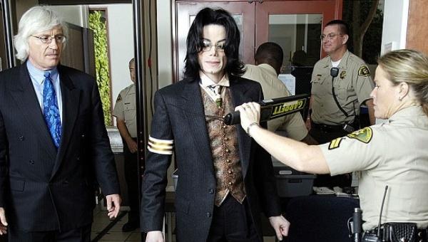 Policía encubrió el hecho que Michael Jackson sí era pederasta