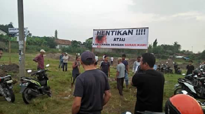 Warga Pringombo Pringsewu Protes Pengalihan Fungsi Lapangan