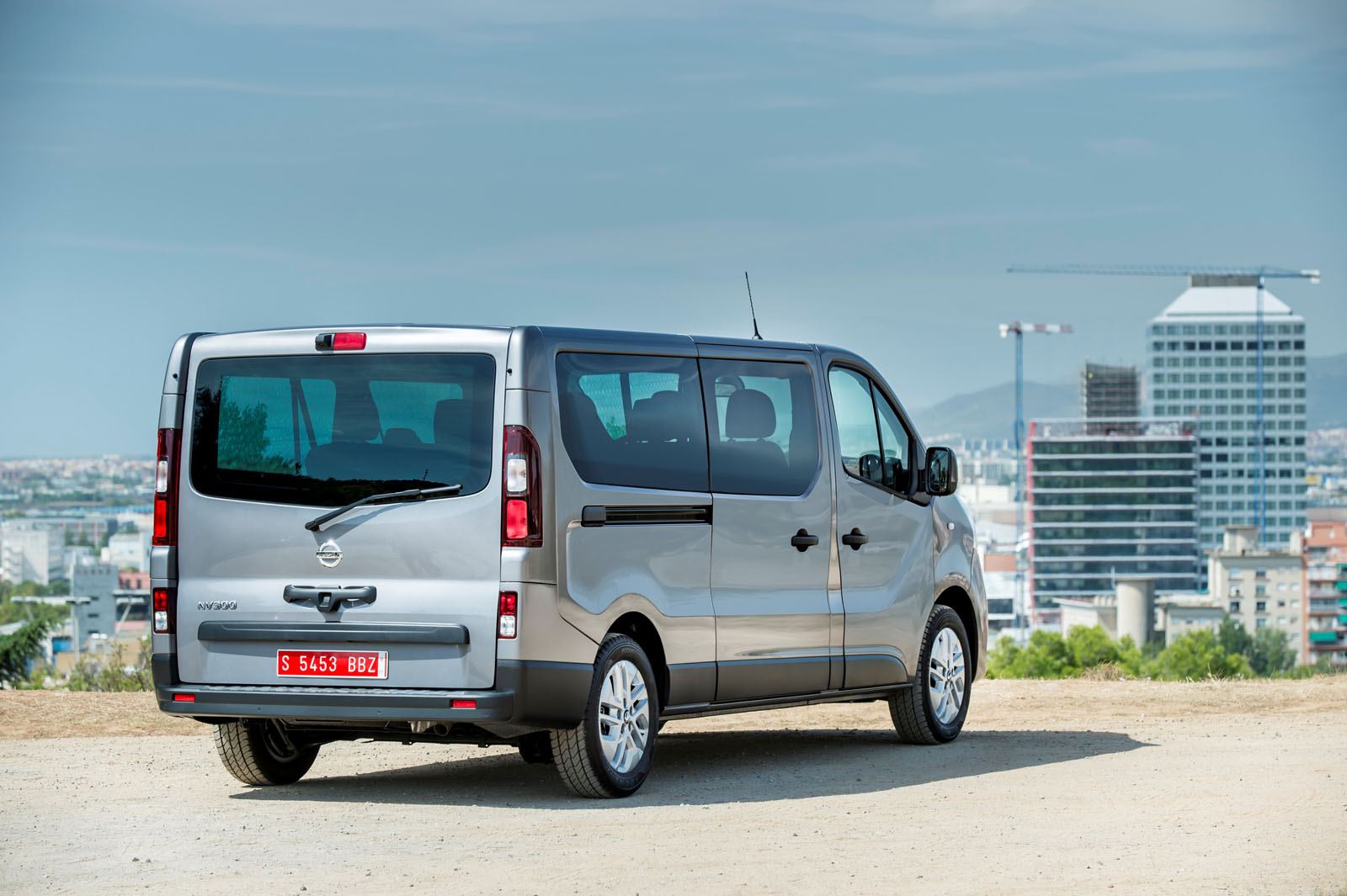 Nissan Nv300 Debuts In Hannover With New Badges Lots Of