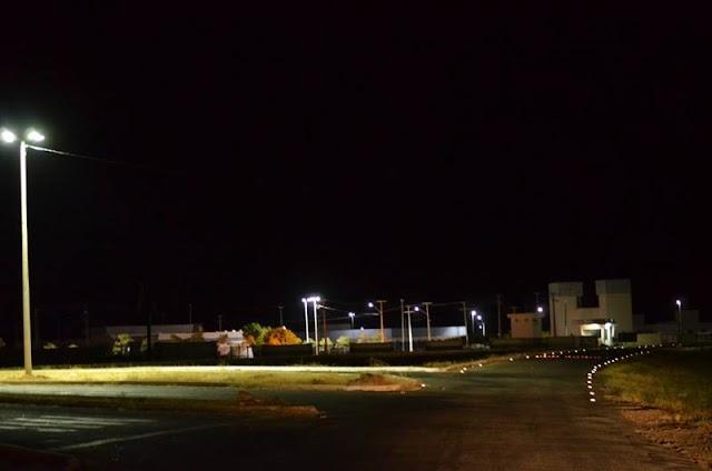 Atendendo a pedido dos estudantes, Prefeitura de Pau dos Ferros ilumina acesso da UFERSA