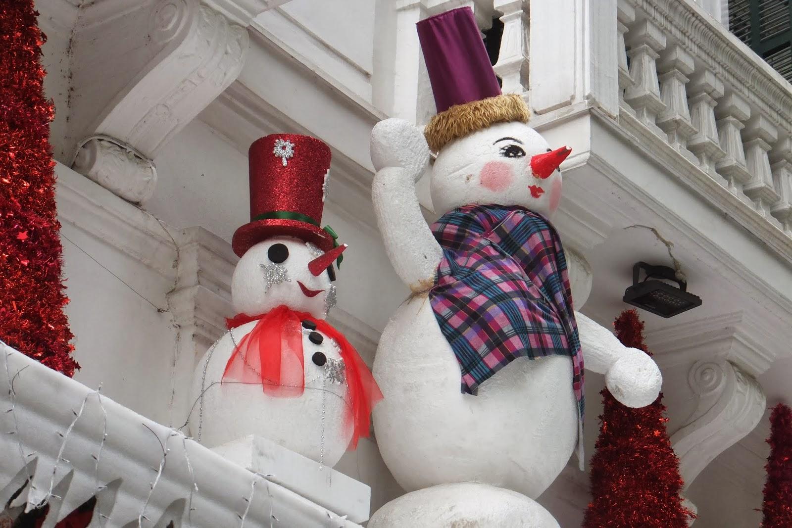 snowman-snowwoman-hanoi-vietnam ベトナムのお姉さま系雪だるま