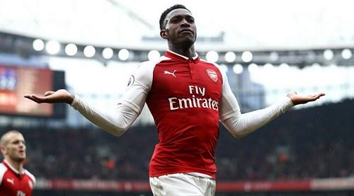 Welbeck đang đạt phong độ rất cao trong màu áo Arsenal