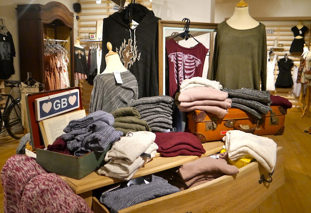 If you still haven't found the necessary information about the Brandy Melville brand, or you have no luck searching for a Brandy Melville online store, in which you could buy quality products, try to visit the Brandy o79yv71net.ml official webpage.