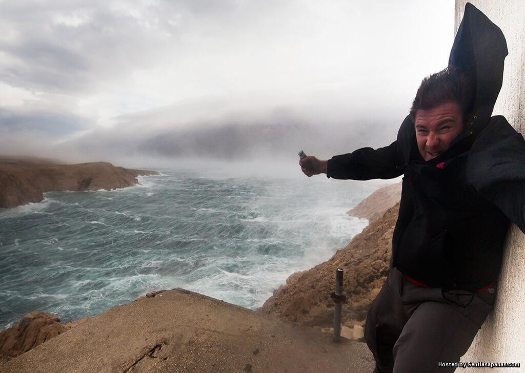 Tiupan 'Bura' Angin Paling Ganas Di Dunia!