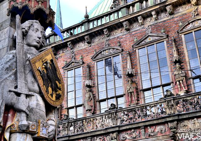 escudo y espada de Rolando Bremen