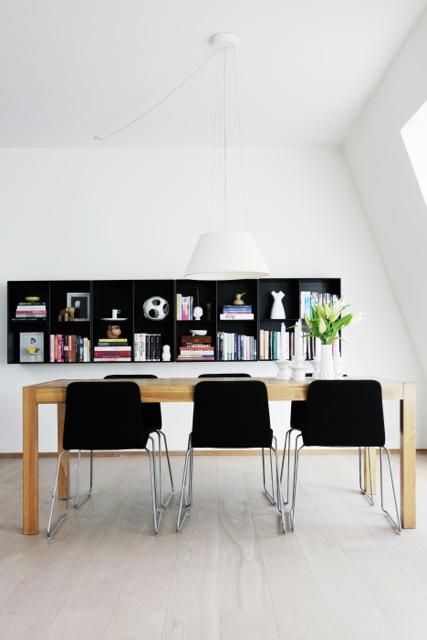 cadeiras pretas na decoração da casa