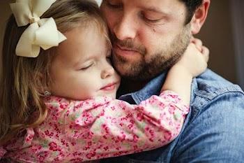 Γιατί οι κόρες έχουν αδυναμία στον μπαμπά;