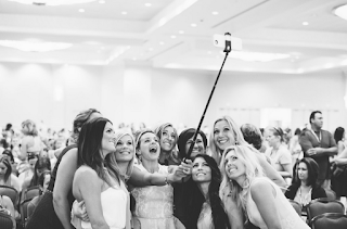 how to take a selfie, what is a selfie, work from home, careers from home, fit mom