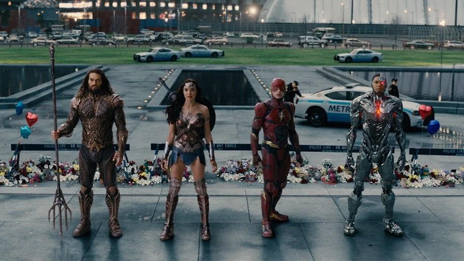 Liga da Justiça | Terceiro trailer apresenta os heróis da DC contra um novo inimigo - SDCC