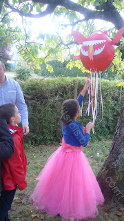 Piñata dragon avec ficelles faite maison