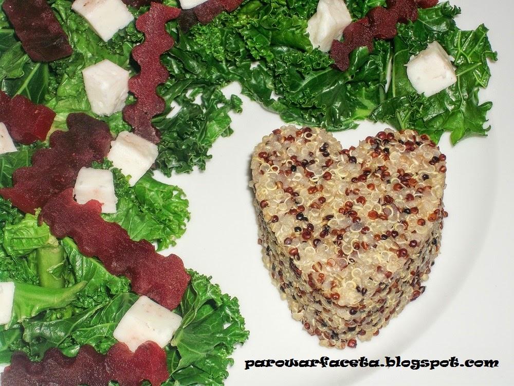 sałatka z jarmużu z quinoa z parowaru