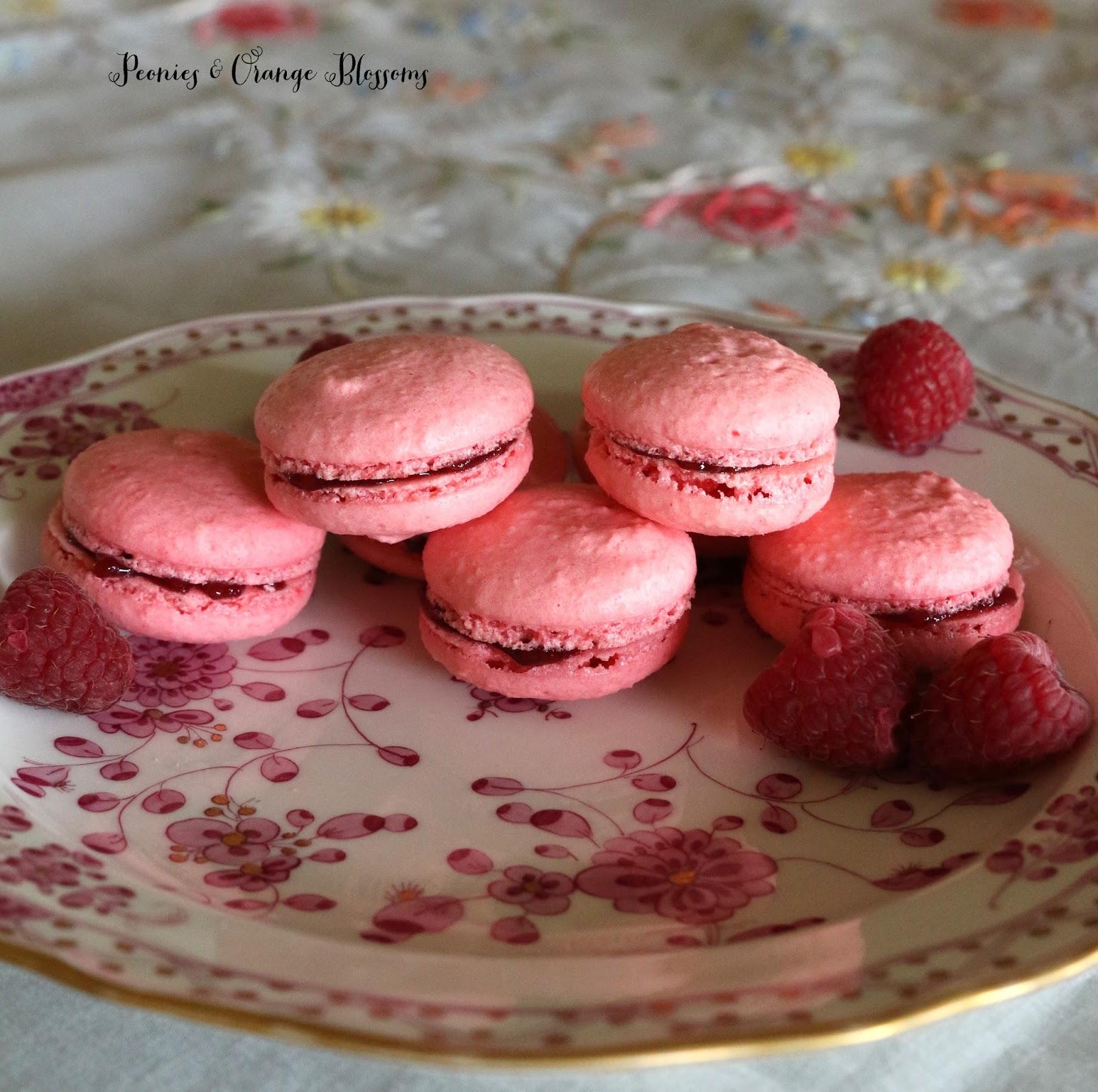 Raspberry Macarons like Laduree