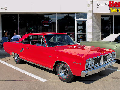 Dodge Coronet 500 Hardtop 426 Street Hemi 4-Speed Bright