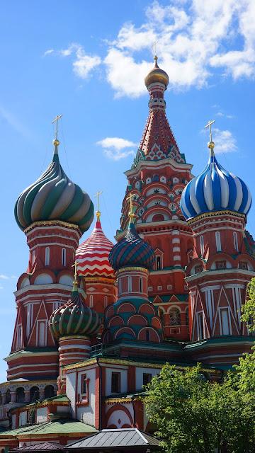 На фото - Храм Василия Блаженного, Москва