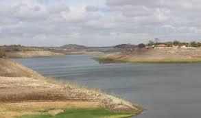 Açude de Boqueirão continua com queda no nível da água, que chega a 25%