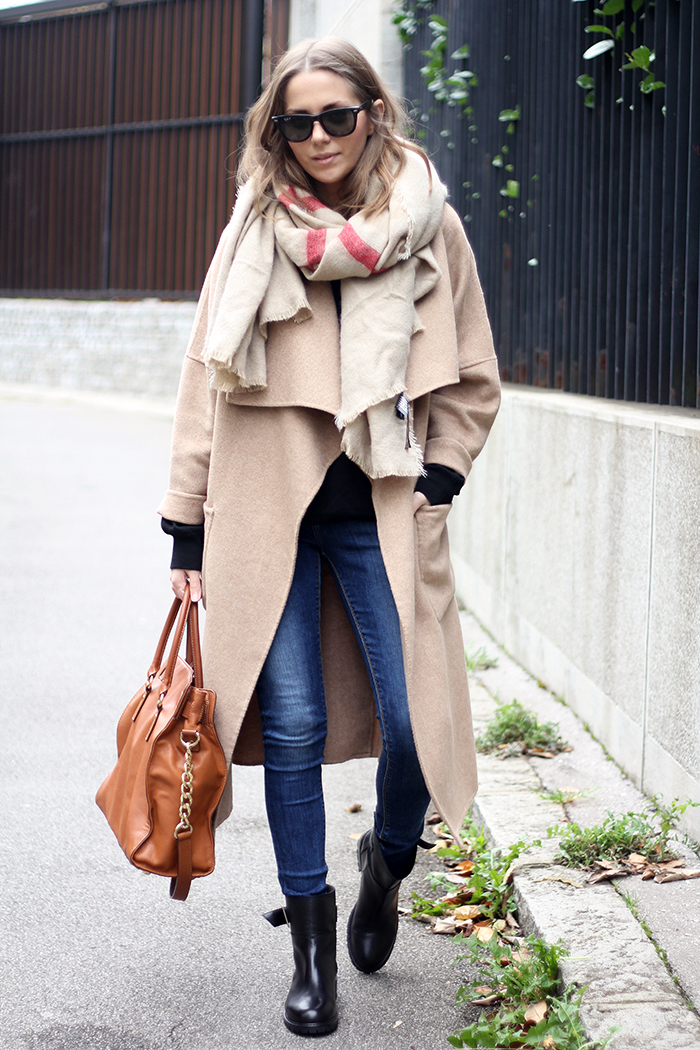 Fashion And Style: Oversized Scarf