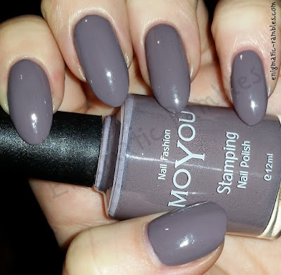Review-Swatch-MoYou-Stamping-Nail-Polish-Grey-Skies