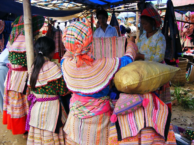 Travel Inspiration From Sunday Morning Market in the Northwest of Vietnam 2
