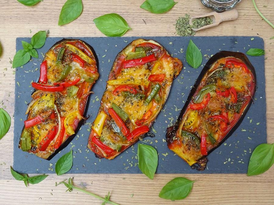 Pizza de berenjena con pimientos