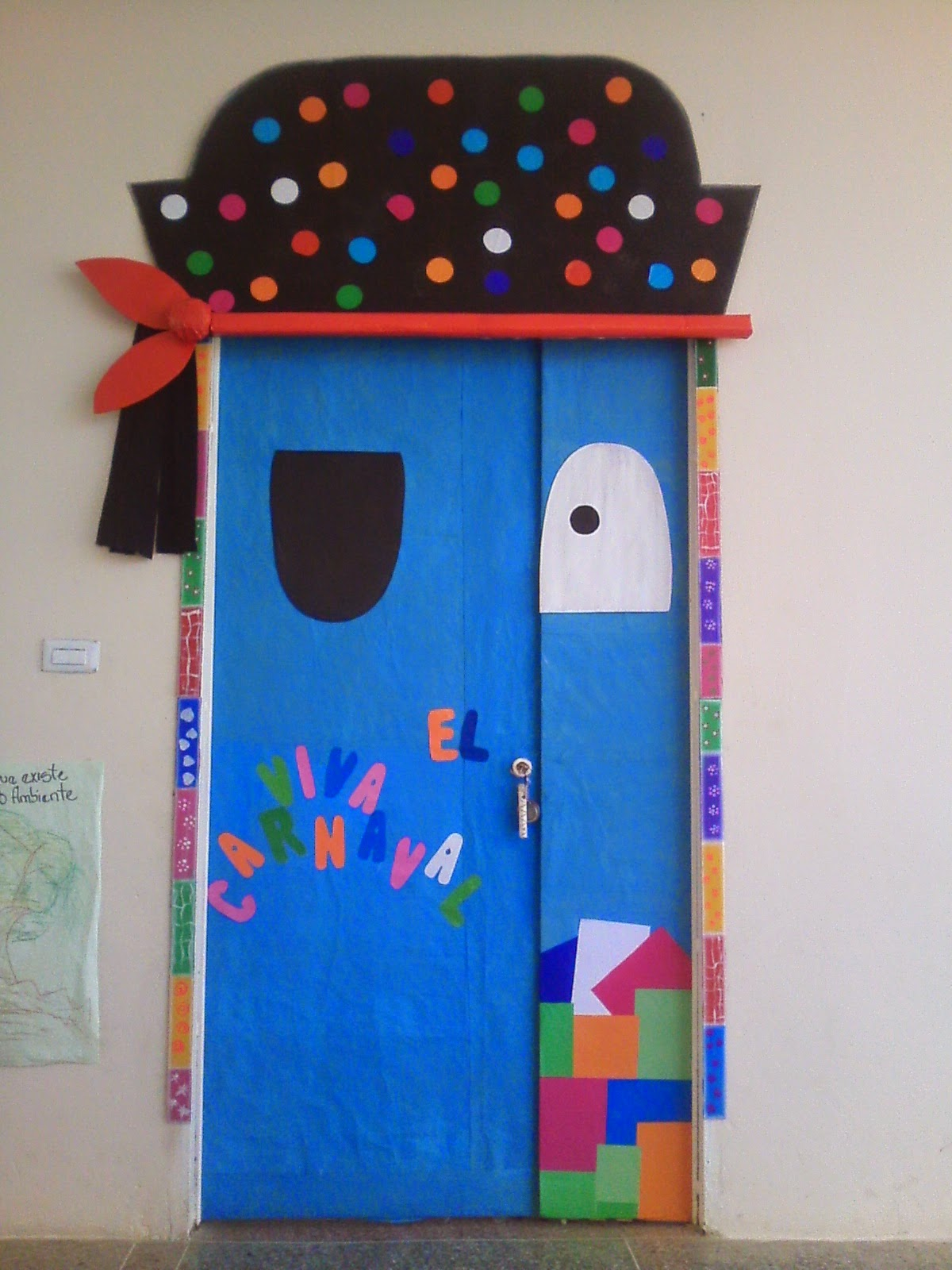 Cajitas de sue os puertas decoradas for Puertas de tejas decoradas