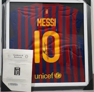 Jersey Lionel Messi Barcelona Nomor 10 Tanda Tangan Messi Bersertifikat MSS001