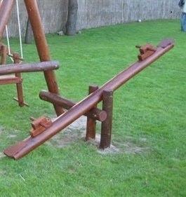 Sube y baja de madera para niños