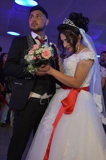 فريدة خلف تطوى ذكريات مأساة داعش بحفل زفاف كبير