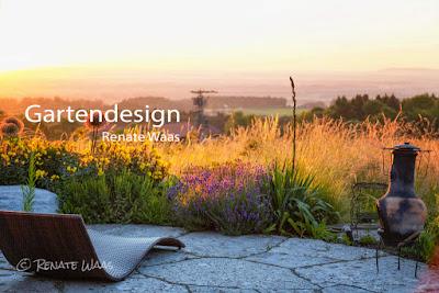 Gartendesign und Gartenplanung Renate Waas. Moderner, naturnaher Landhausgarten #garten #gartendesign