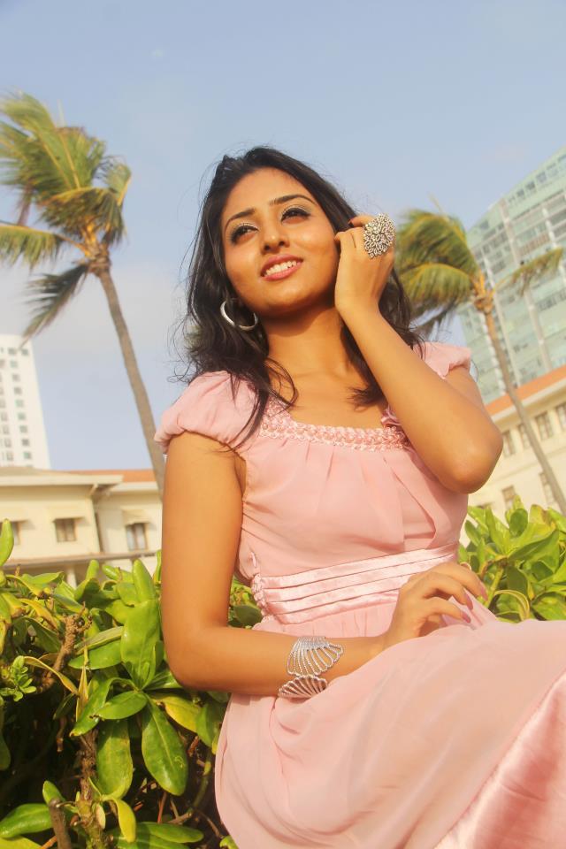 Sri lanka wife share - 4 8