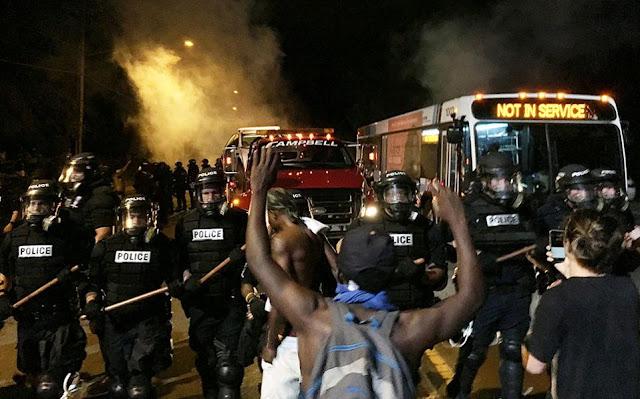 ΗΠΑ!!! Σε κατάσταση έκτακτης ανάγκης η Σάρλοτ!!! Ο κυβερνήτης της πολιτείας κήρυξε την πόλη σε κατάσταση έκτακτης ανάγκης!!!