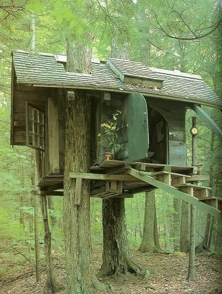 Relaxshacks Com A Tiny Tiny Escape House Tree House For Monks
