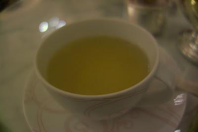 Thé tea time le goûter d'Angelo Musa hôtel Plaza Ahénée Paris.