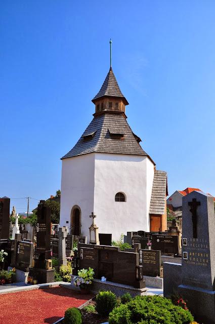 Staré Město, Uherské Hradiště - kościól późnoromański w dzielnicy Na Dedine