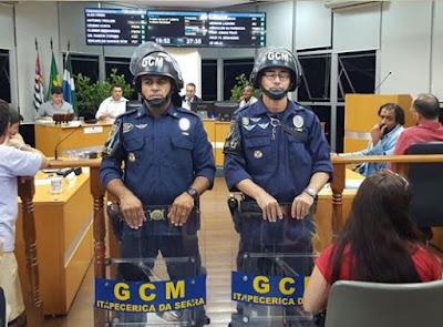 Com reforço no policiamento Câmara retornam aos trabalhos em Itapecerica da Serra