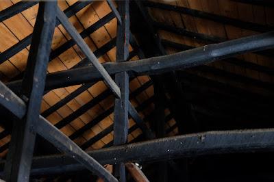 長野県生坂村の古民家カフェ ひとつ石 天井裏