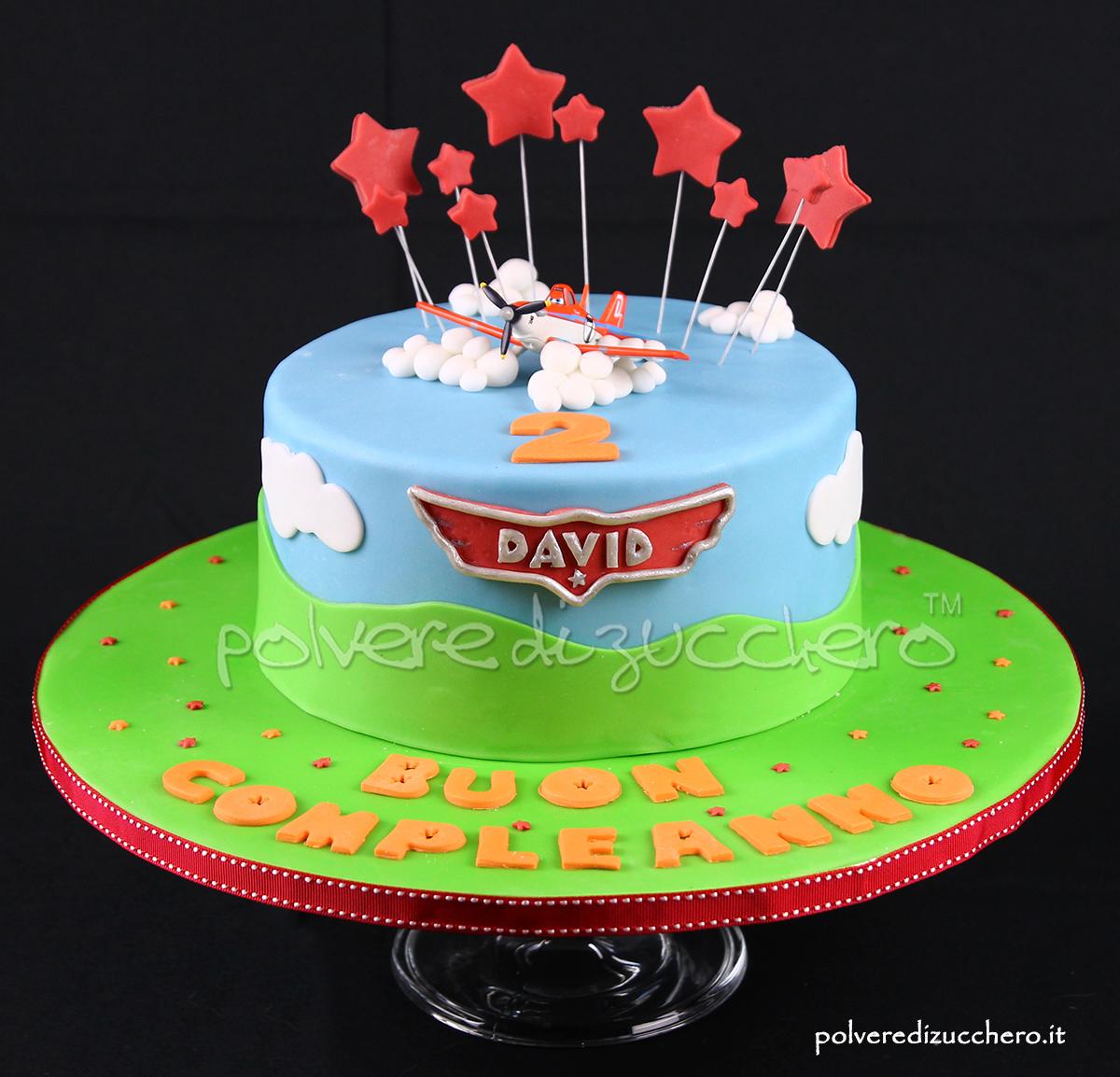 torta decorata cake design polvere di zucchero planes disney giocattolo aereoplano