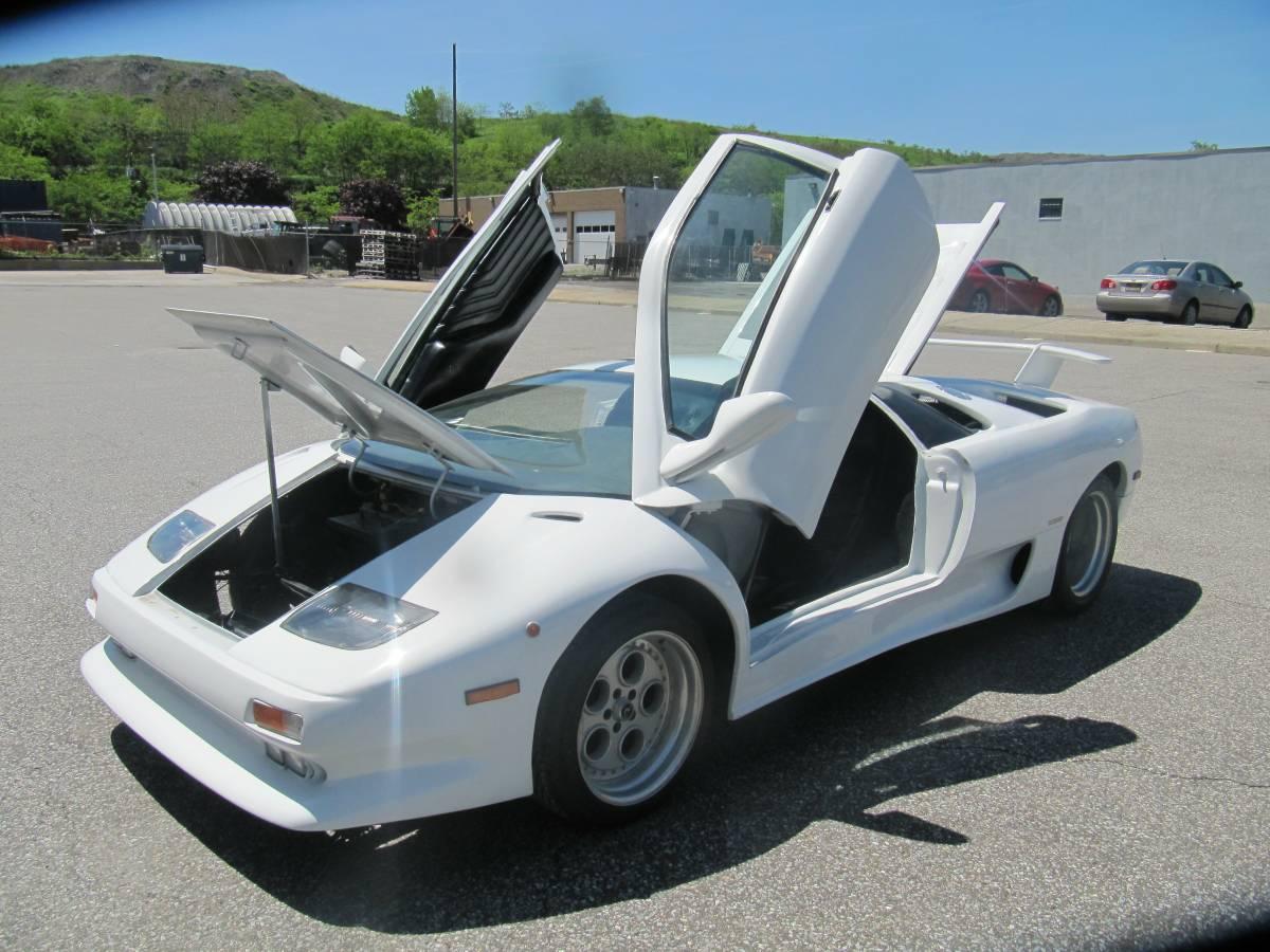 Find this 1999 Lamborghini Diablo VT replica for sale in West Babylon, NY  for $24,500 via craigslist.
