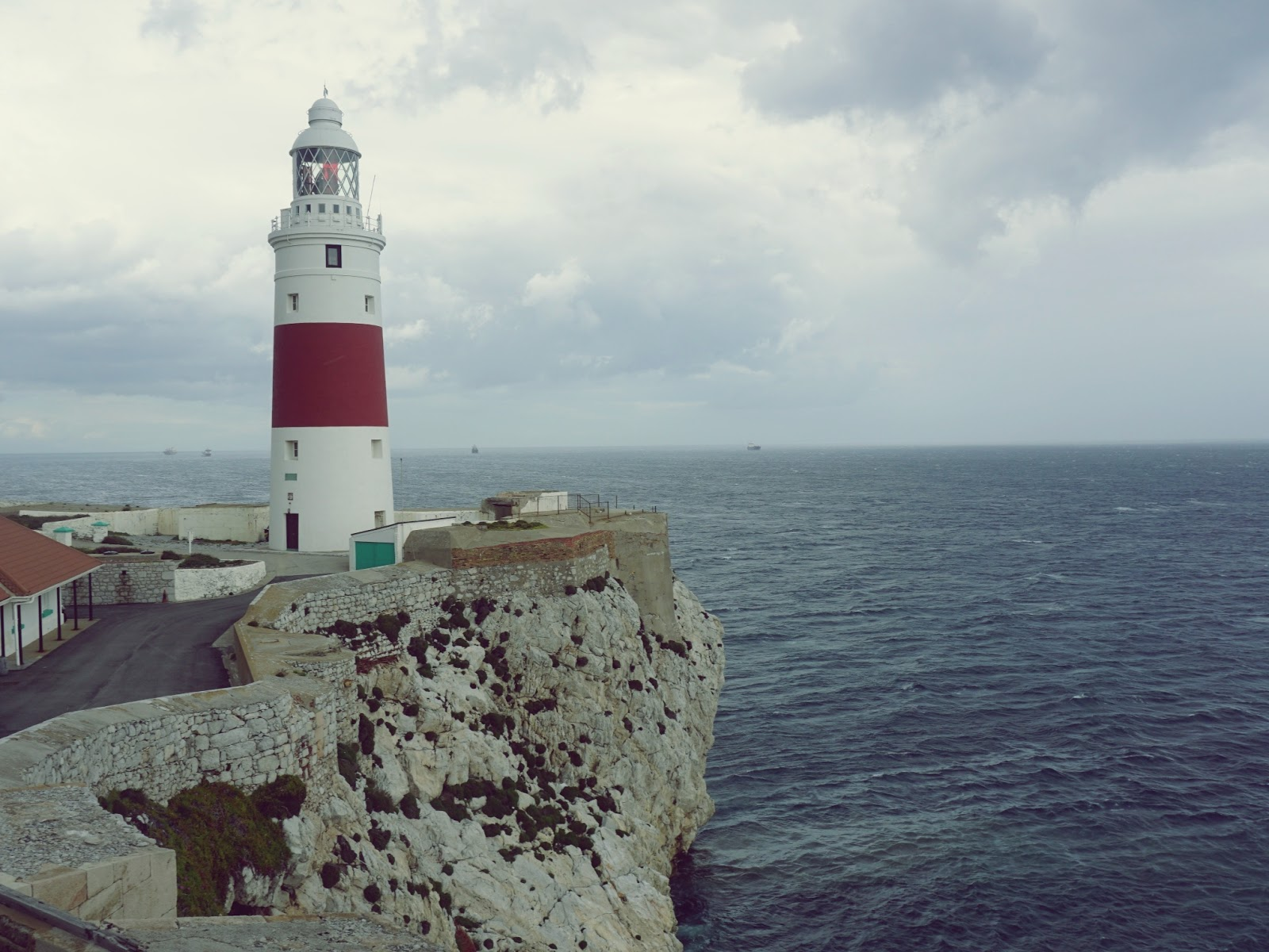 lampa morka na Gibraltarze, lampa morska, Gibraltar, Hiszpania, panidorcia, Pani Dorcia, blog o Islandii, blog o podróżach, podróż dookoła świata