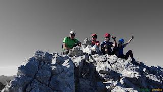 En la cima de Torre Bermeja en los Picos de Europa