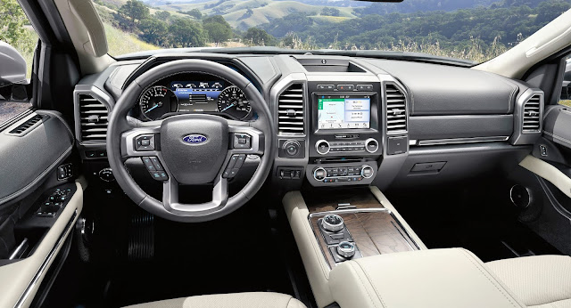 Interior view of 2018 Ford Expedition Max