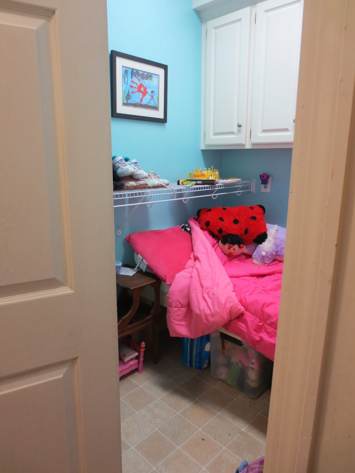 Stare if you must..........: Room in a Closet......Again