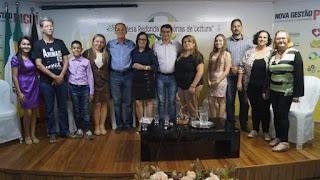 Mesa redonda reuniu poetas e escritores da antiga e nova geração picuiense