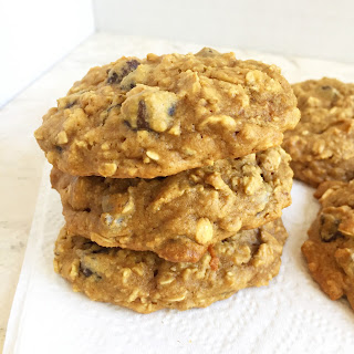 Healthy Oatmeal Breakfast Cookies pictured from the side by www.smokeandvanilla.com - An easy recipe for soft, chewy, and healthy oatmeal peanut butter chocolate chip breakfast cookies. Gluten free, low carb, and just one simple substitution to make them Paleo too! http://bit.ly/2q1ZZjC
